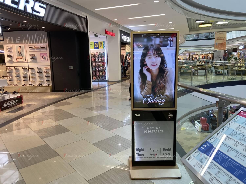 quảng cáo lcd chúc mừng sinh nhật sakura